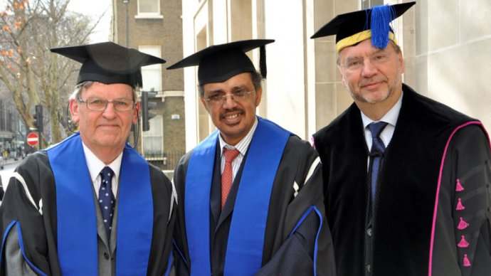 Dr Tedros (centre) receives his Honorary Fellowship from LSHTM in 2012, pictured alongside the school's Prof Brian Greenwood and Prof Peter Piot (Credit LSHTM)